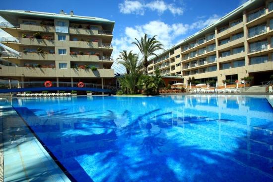 Почивка в AQUA HOTEL ONABRAVA & SPA 4*